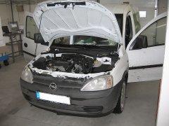 Opel Combo 2011 - Kihangosító