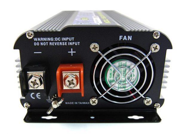 Intelligent SN-700USB-24V inverter (24V, 700W, szinusz, USB) 4
